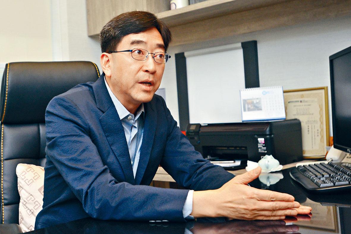 高永文指政府須聆聽整個社會的聲音,並認為香港警隊已十分克制。梁譽東攝