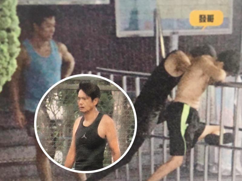 發哥跟兩名教練練跑和拉筋。東周刊圖片