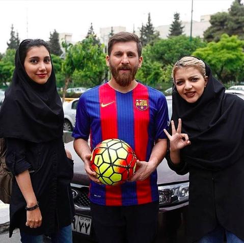 「伊朗美斯」利用自己與美斯甚為相似的外貌以接觸女性。網圖