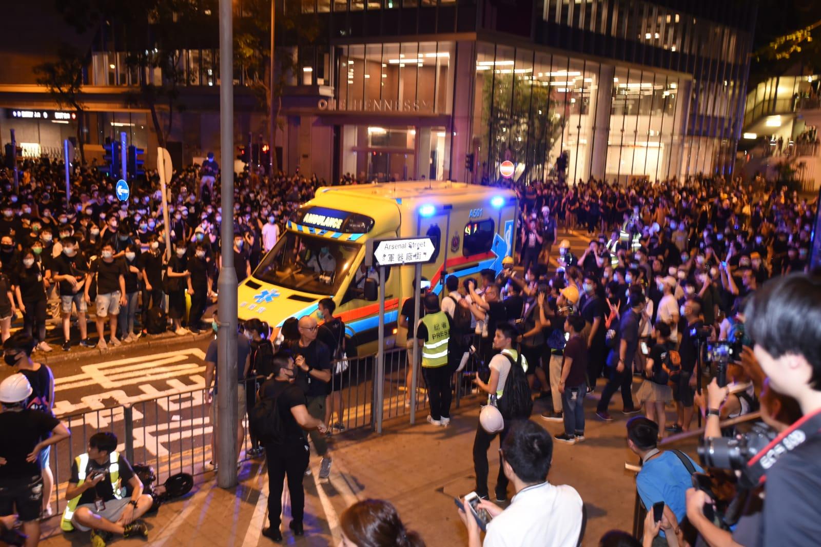有救護車駛到警總,但找不到報案人。
