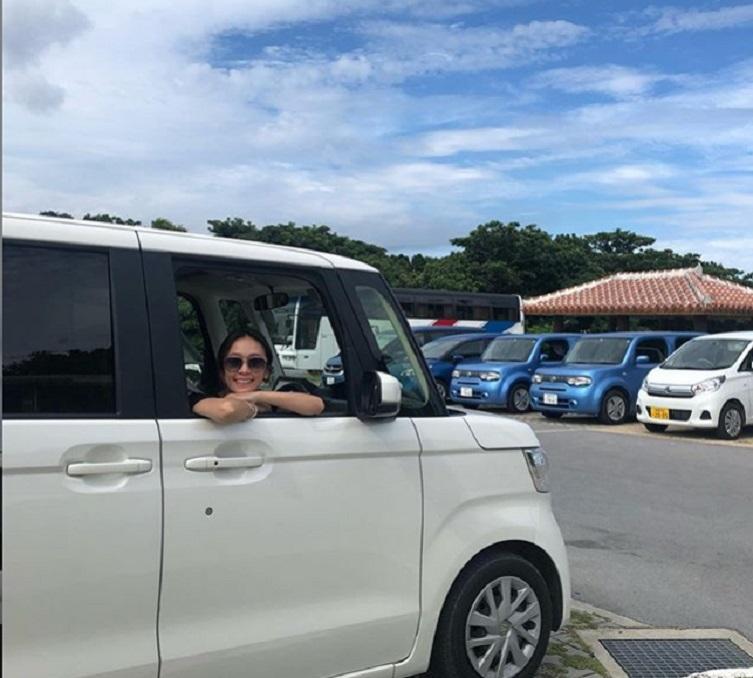 黃心美沖繩自駕遊散心。網上圖片