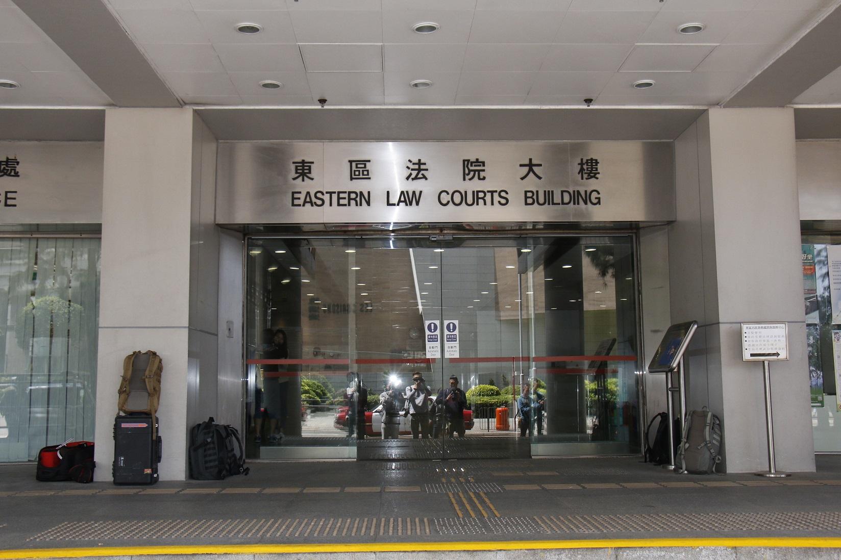 一名男子因襲擊食環署人員及妨礙公職人員執行職務,今日在東區裁判法院被判處120小時社會服務令。資料圖片