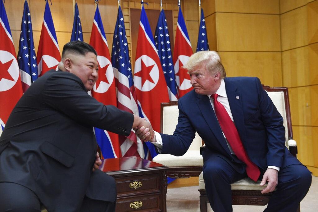 特朗普與金正恩歷史性會面,AP圖片