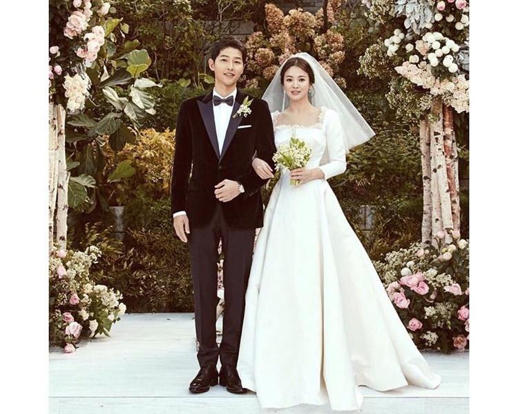 宋仲基與宋慧喬結婚不到兩年,火速閃離,童話美夢破到一地都係。