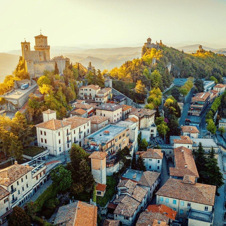 聖馬利諾共和國是全世界唯一沒有紅綠燈的國家,卻沒有塞車的問題,發生車禍的機率也非常低。Repubblica di San Marino FB圖片