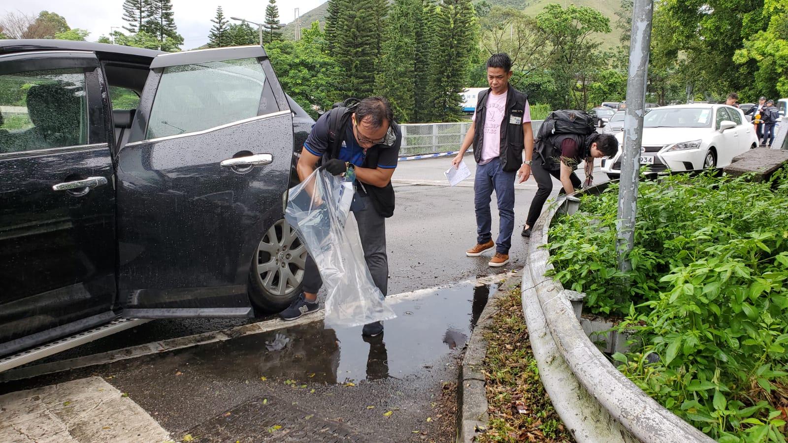 五匪圖劫找換店職員200萬美元 警「Hit team」新田截車拉人
