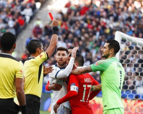 【美洲盃】阿根廷挫智利奪季軍 美斯事隔14年領紅牌