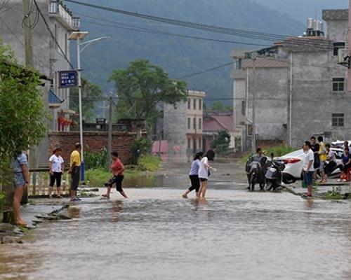 江西連日暴雨 49房屋倒塌22.8萬人受災