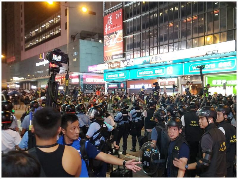 【尖沙嘴遊行】警方彌敦道清場 有示威者被捕