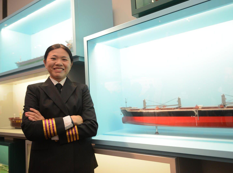 郭詠恩成為本港首名考獲遠洋船輪機長資格的女高級船員。