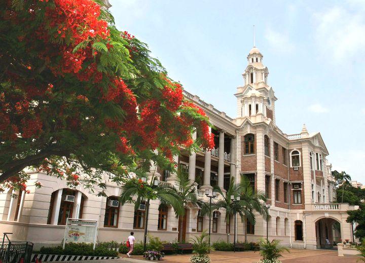 【JUPAS】香港大學 去年最佳五科平均中位分數為23至26分的學士課程(參考資料)