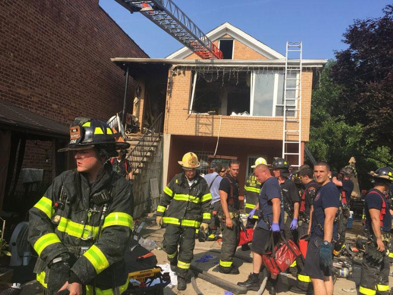 美國紐約皇后區住宅起火,遭三死兩傷。(網圖)