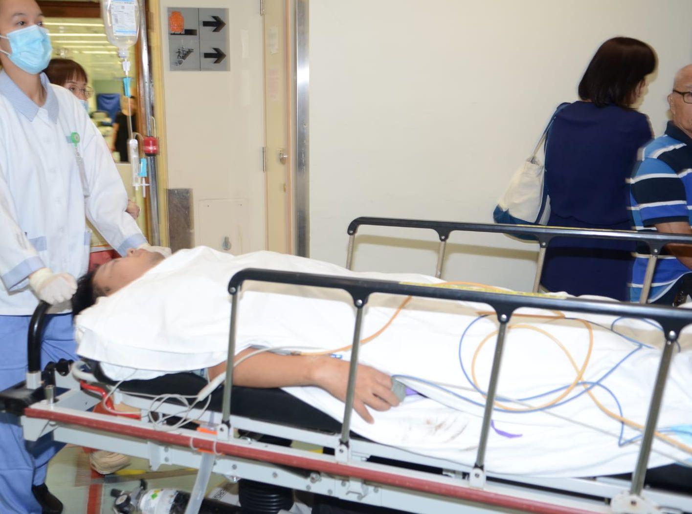 受傷男子被送院治理。