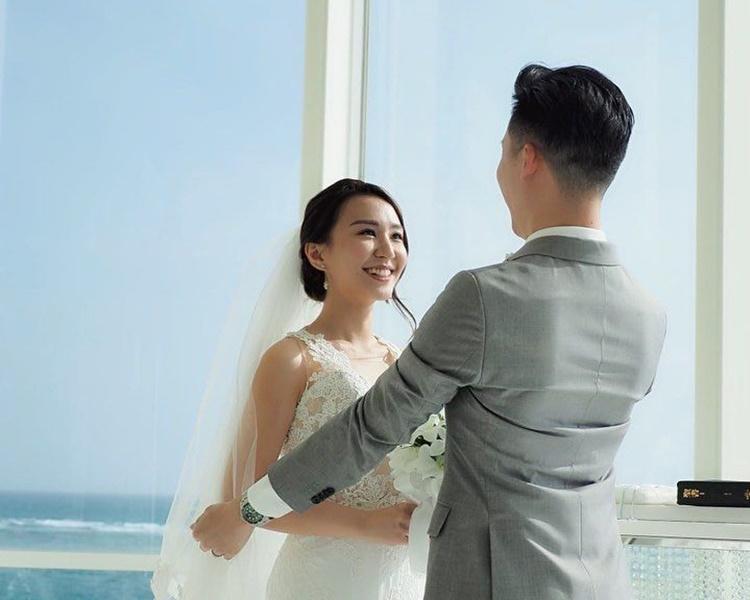 黃麗幗露出燦爛的甜笑望住老公。IG