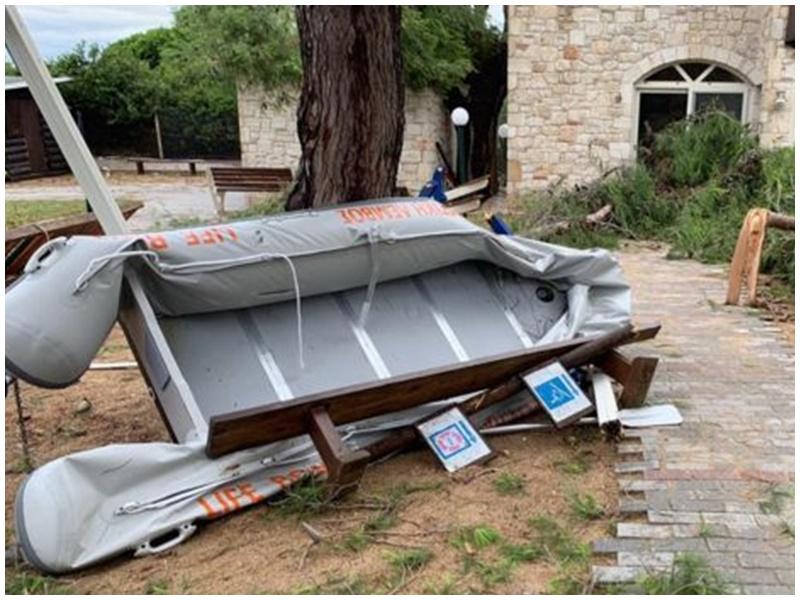 希腊北部受暴风雨侵袭。网图