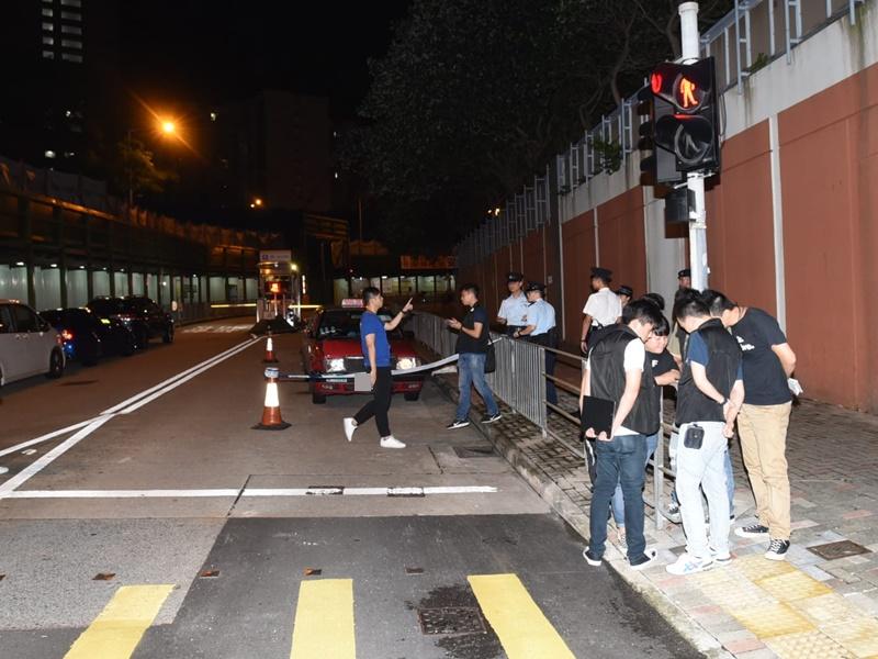 一名的士司機於白田邨被斬傷。