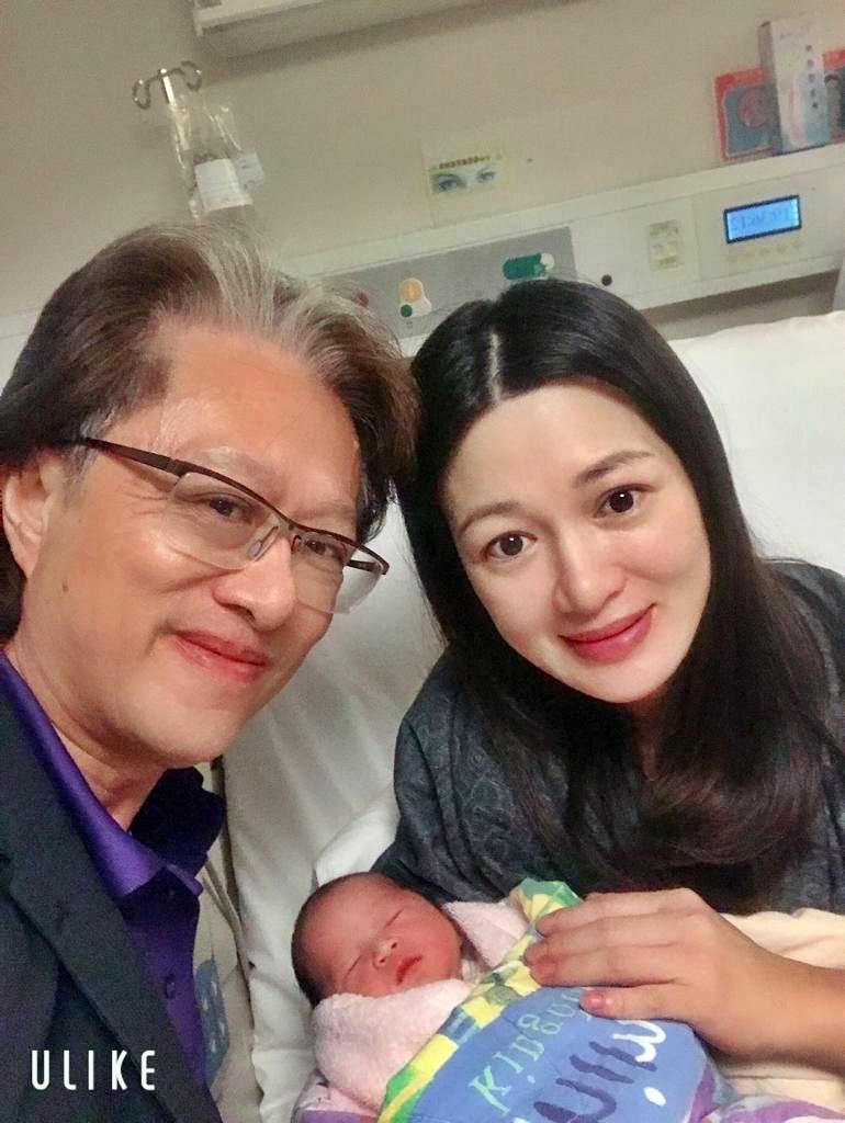 陳少霞誕下6.2磅重B女。