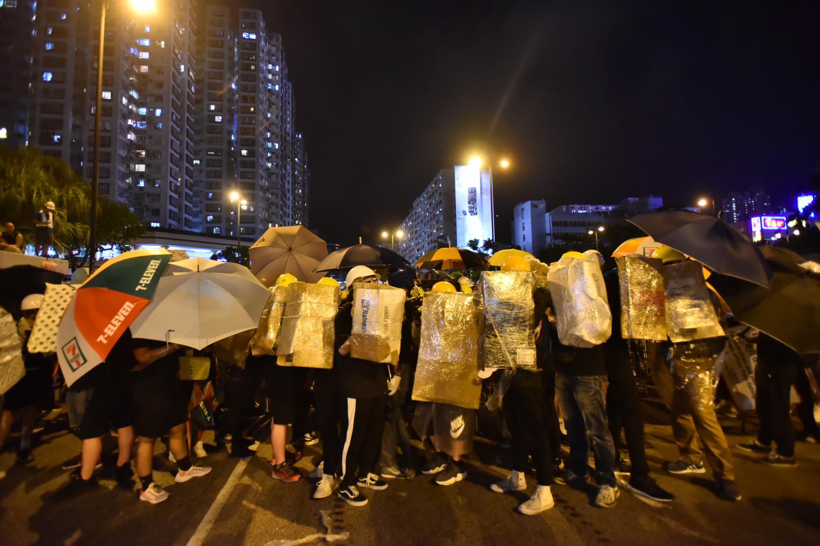 示威者拒絕散去