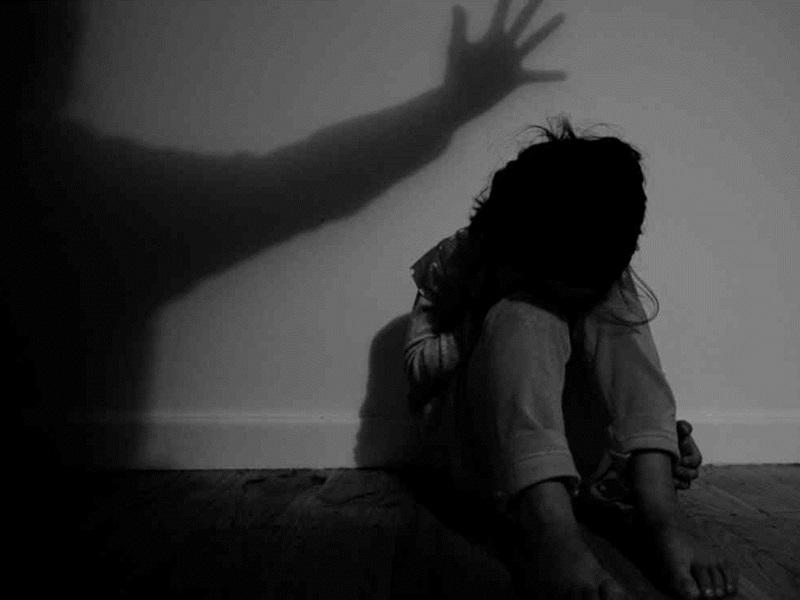 官斥被告破壞女兒對他的信任,令女兒情緒受困、不開心、不信任他人、終日恐懼而失眠。 示意圖