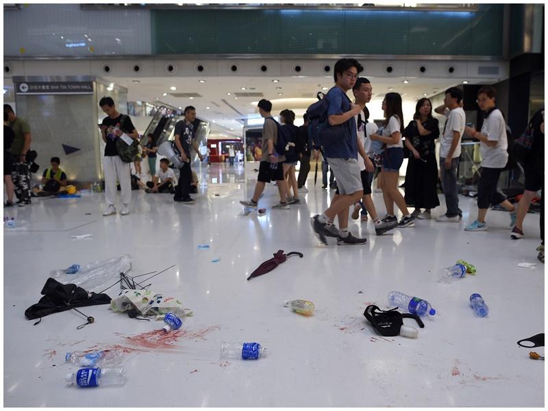 沙田新城市廣場衝突後地上留有血漬。資料圖片