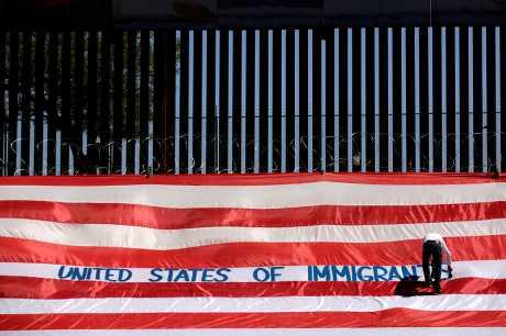 白宮宣布,禁止穿越墨西哥後到美國南部邊境的移民申請庇護。資料圖片