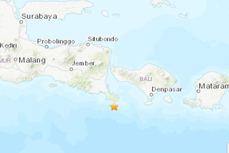 印尼度假勝地峇里島以南今天發生規模6.1的海底地震。(網圖)