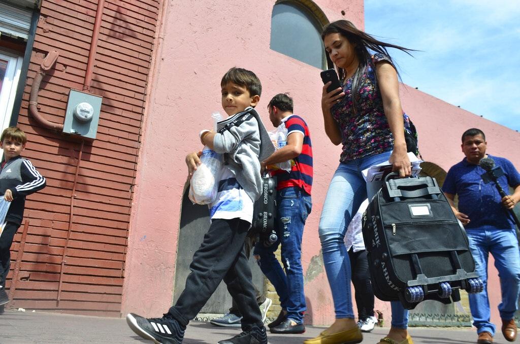 部分被美國遣返墨西哥的非法移民。AP圖片