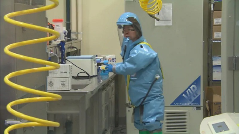 華裔病毒學家邱香果夫婦月初被加拿大情報部門帶離開實驗室。網上圖片
