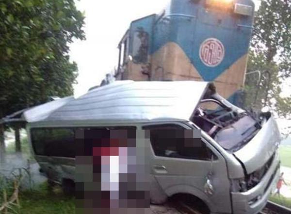 孟加拉西北部發生一宗重大鐵路事故。網圖