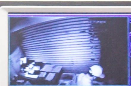 閉路電視拍到賊人闖入。