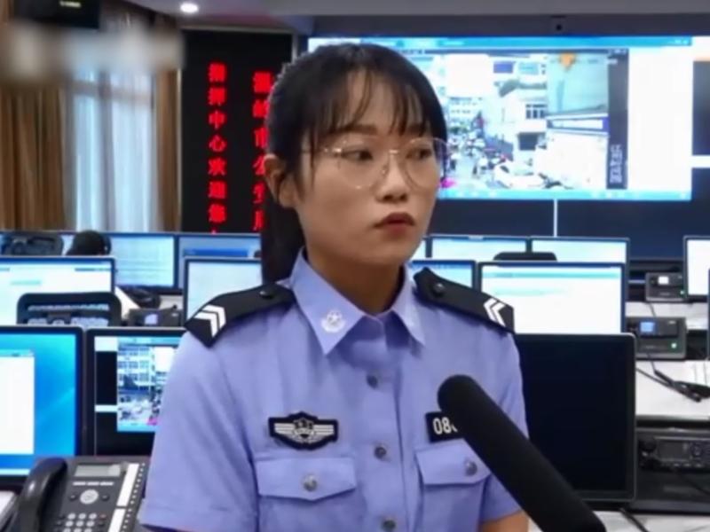 接線女警員憶述事件。   影片截圖