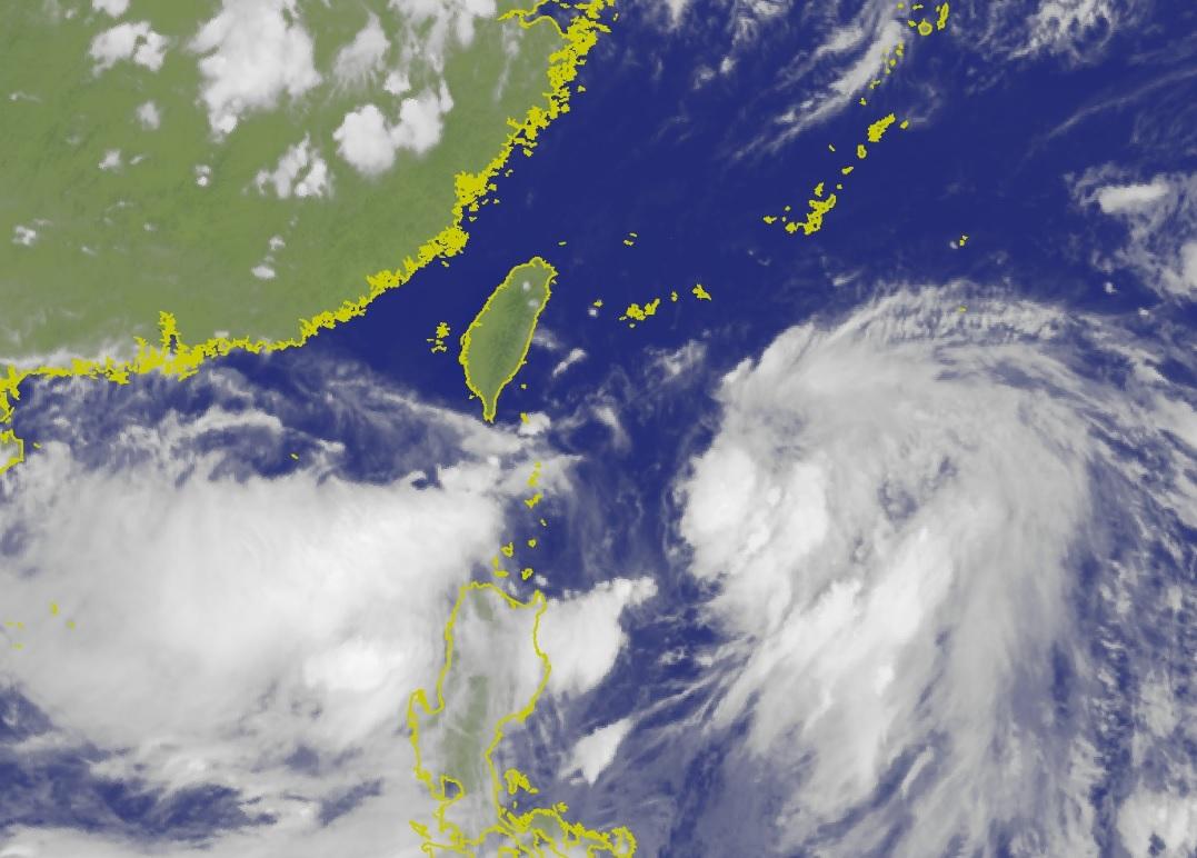 風暴「丹娜絲」逼近台灣。中央氣象局