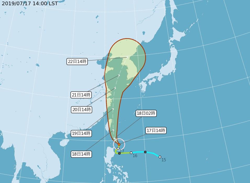 風暴「丹娜絲」路徑持續向東調整。中央氣象局
