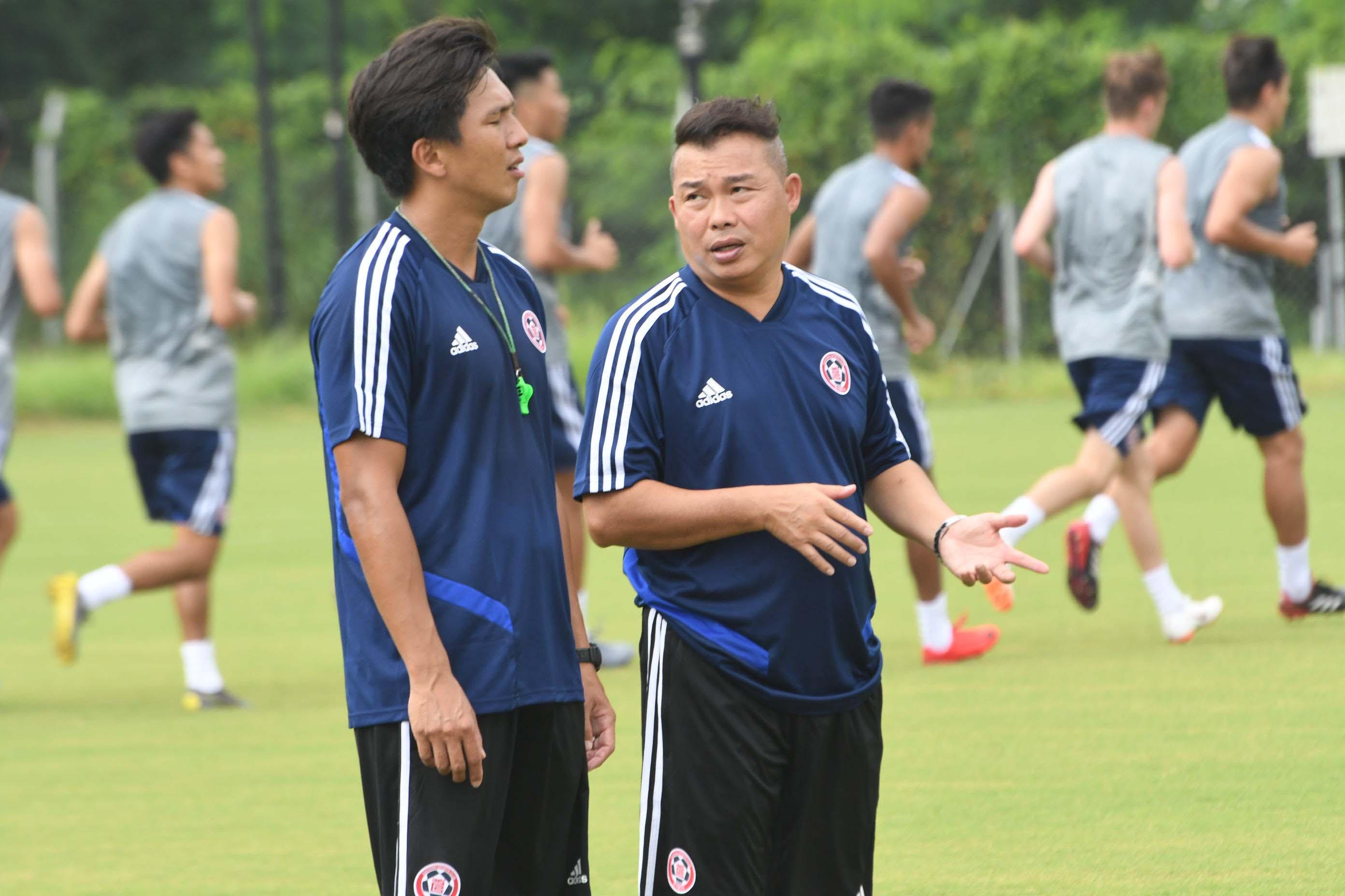 東方教練李志堅(右)指執教大球會亦屬新挑戰,盼盡快助東方爭奪錦標。郭晉朗攝