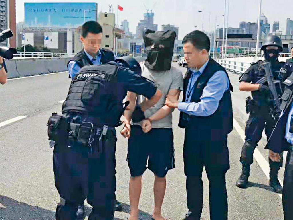 疑犯被移交返港。資料圖片