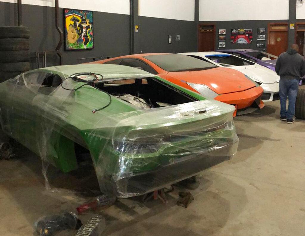 山寨法拉利和林寶堅尼跑車。AP圖片