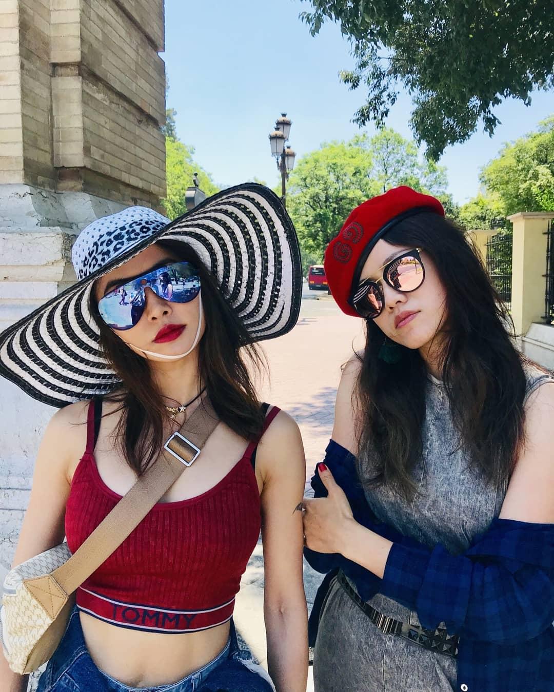 Jolin無大肆慶祝,孖一眾好姊妹出國遊玩。 IG圖
