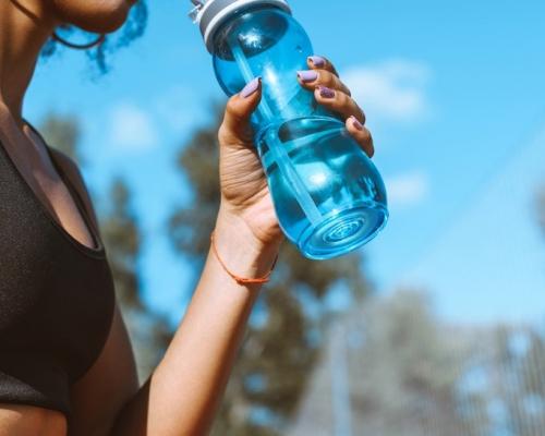 【健康Talk】美研究:水樽含菌量比水槽高 3個清洗方法有效殺菌