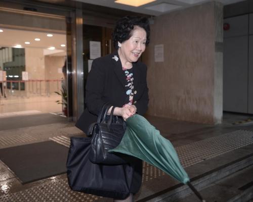【搪瓷大王家族爭產】出庭作供雙方律師無提問 陳方安生驚問「係咪走得?」