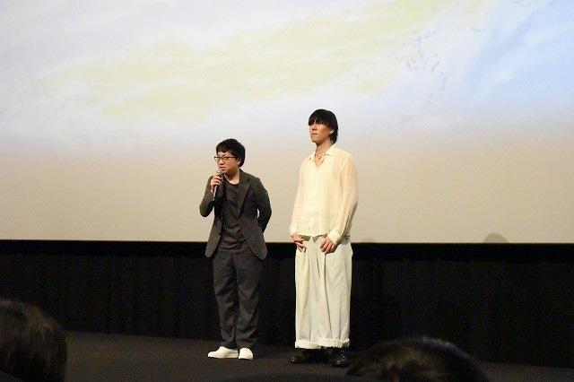 新海誠(左)與田洋次郎(右)宣傳新片時,為事件致哀。