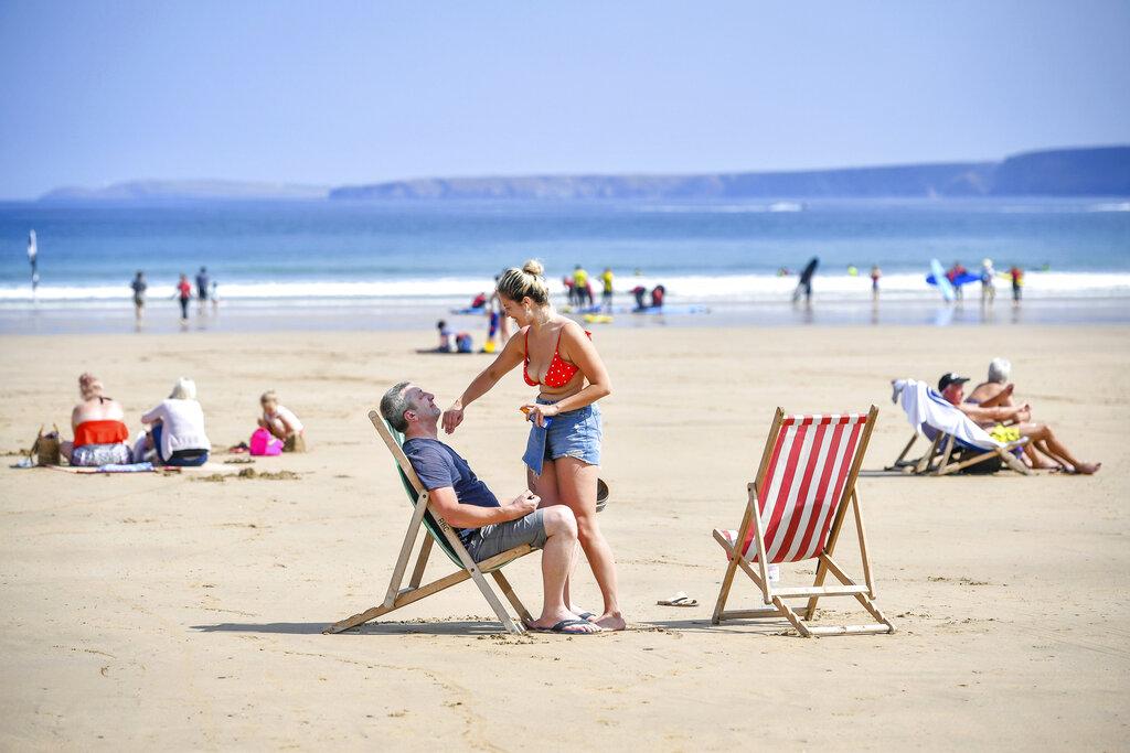 今年6月全球平均溫度達攝氏15.9度,較20世紀6月平均氣溫上升1.7度,創下史上最熱6月的紀錄。  AP/示意圖