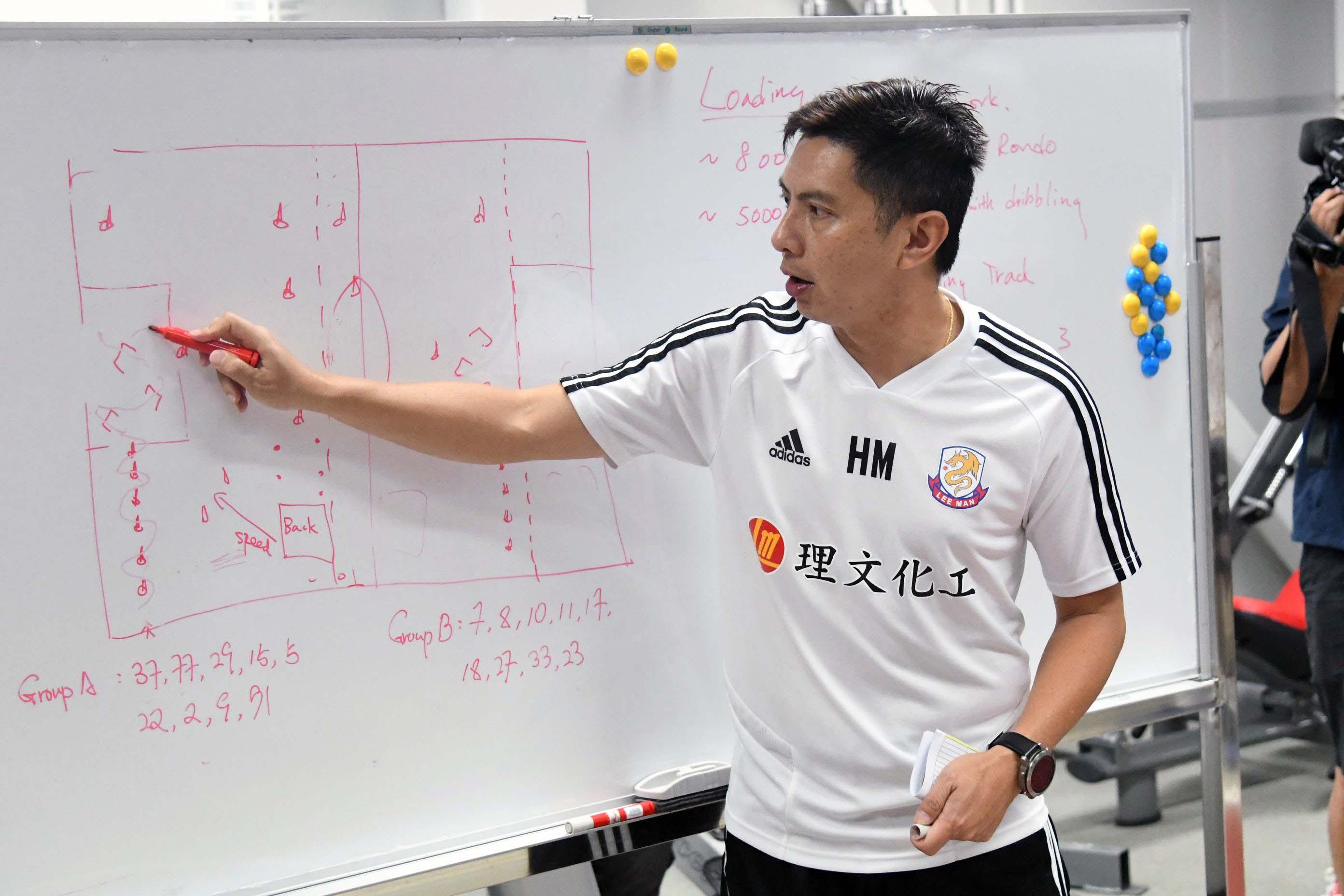 主教練陳曉明坦言目標提升港超成績之餘,更力求衛冕菁英盃。 郭晉朗攝