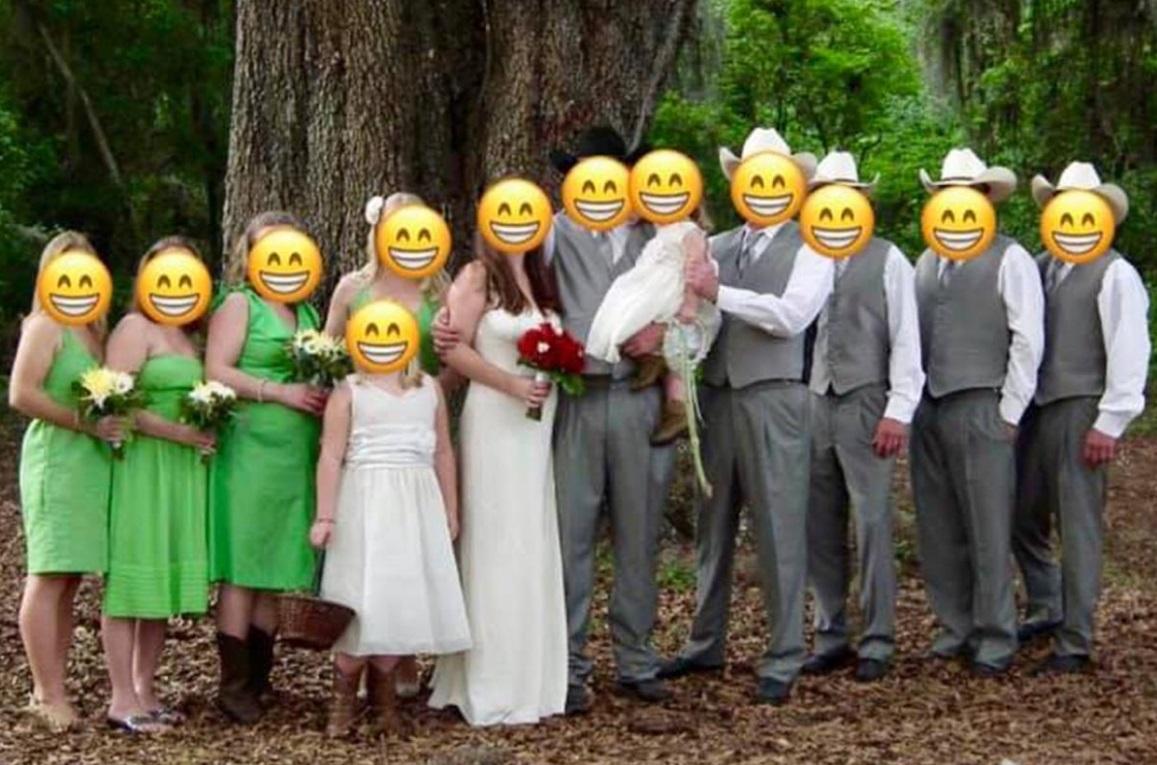新娘無意中聽到伴娘吐槽身上綠色的禮服很醜。網圖