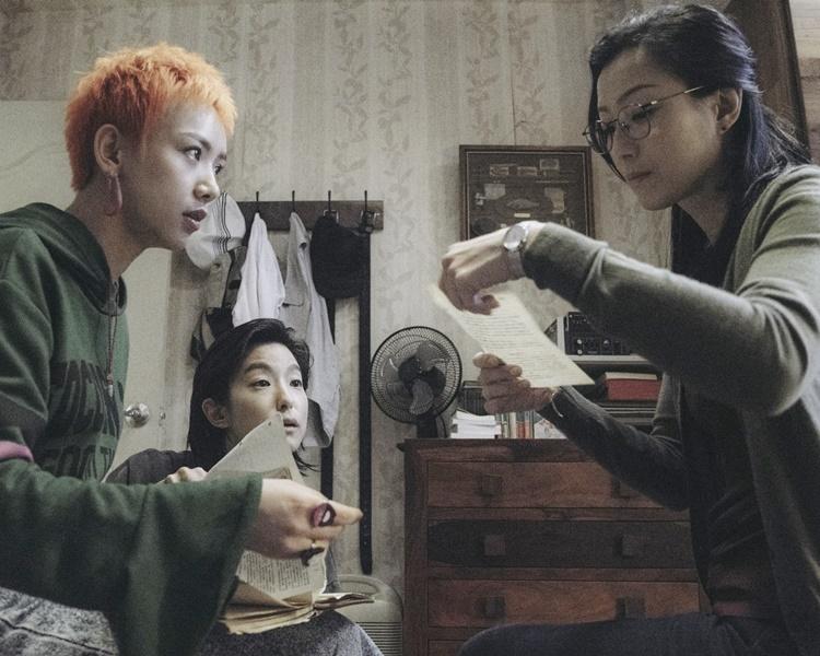 今次在《花椒之味》中,鄭秀文與賴雅妍、李曉峰飾演三姊妹。
