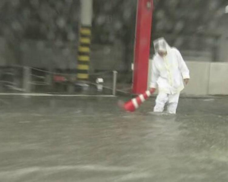 福岡縣多處嚴重水浸。NHK