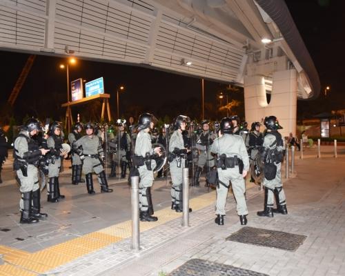 【721遊行】防暴警察西環清場 大批示威者向中環方向撤退