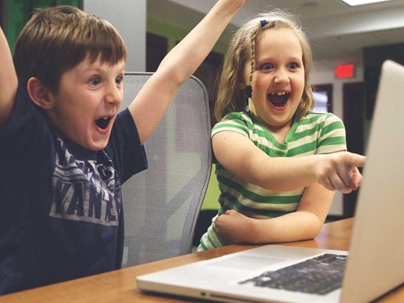 根據最新調查指出,大部分歐美地區的小朋友未來都想成為「YouTuber」。  示意圖/網圖