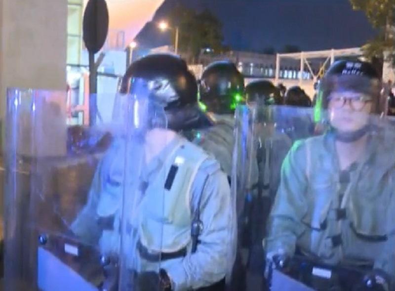 防暴警察。有綫新聞