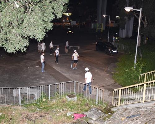 【元朗暴力】暫無人被捕 警:著白衫唔代表有參與打鬥