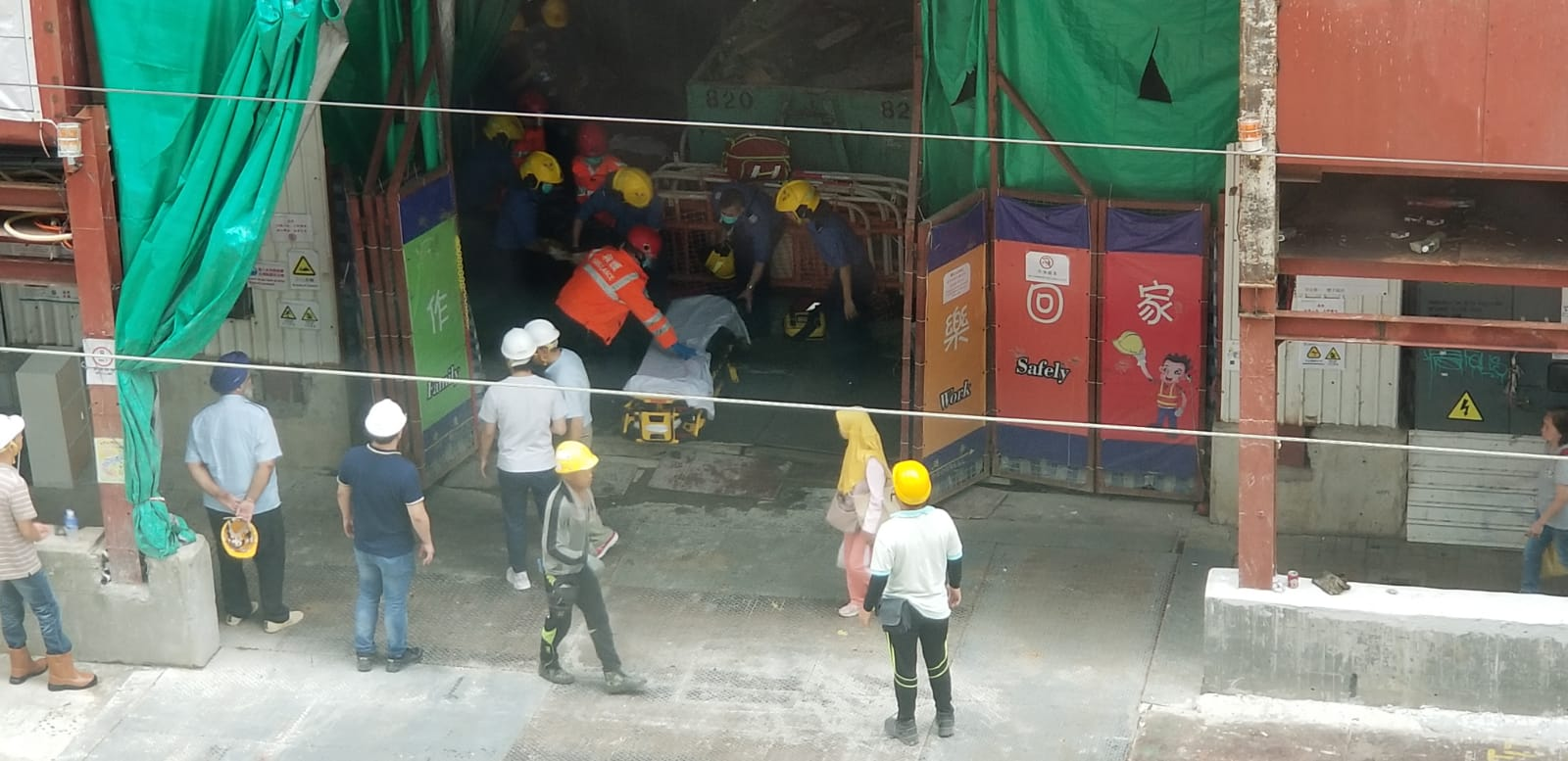 男工人意外失足跌落電梯槽亡。 讀者陳先生提供